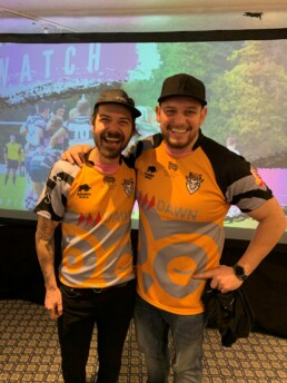 Biffy Clyro Simon Neil wearing Whiteleys Retreat charity strip